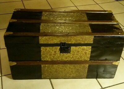 1800's Antique Victorian Flat Top Steamer Trunk Chest (Refurbished)