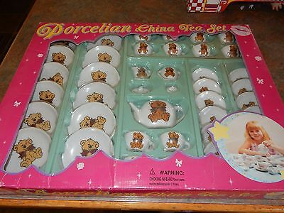 Vintage 41 Piece Childs Porcelain China Tea Set With Teddy Bears On It