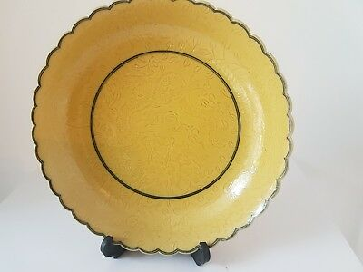 Small Chinese porcelain yellow ground saucer, Qianlong mark.Empora yellow.
