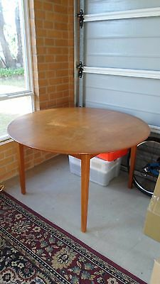 Mid Century Retro 60s Parker Extendable Dining Table