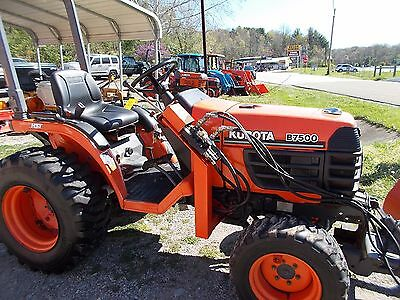 Kubota B7500 4wd tractor w/ front blade, hydrostatic, used, Nice, 581 hrs.