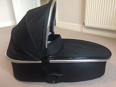 Babystyle Oyster 2 Black Carrycot Lightly Used