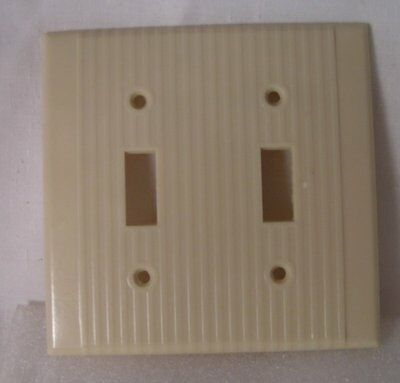 Vtg Leviton Art Deco Ivory ribbed Bakelite DOUBLE toggle switch plate Cover