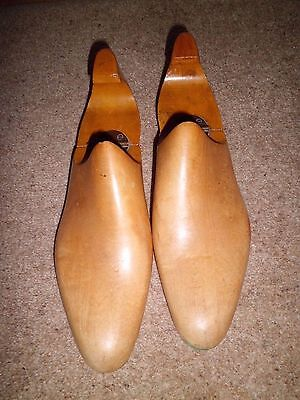 Old Solid Wood Hinged Shoe Tree Size 7.5-8