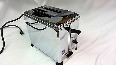 Toastmaster 1BB4 Vintage 2 Slice Commercial Toaster Nice and in working order