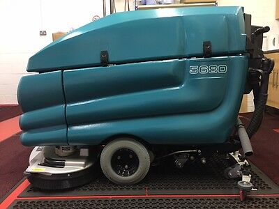 Tennant 5680 SCRUBBER DRYER - ONLY 5 HOURS ON CLOCK - genuine ex-display unit