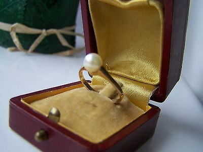 Gorgeous Feminine Solid 18Ct Gold 750 Pearl Ring Size P Us 7 1/2 Not 9Ct Gold