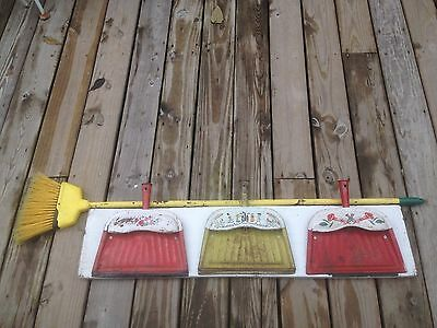 Vintage set of 3 Metal Tin Dust Pan Broom holder Kitchen laundry room