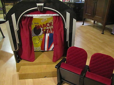 American Girl MOLLY'S stage and screen THEATER WITH SEATS & popcorn Retired