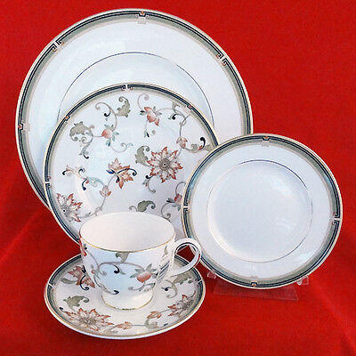 OBERON Wedgwood 5 Piece Place Setting NEW NEVER USED made in Indonesia