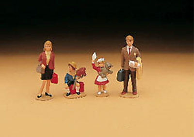 LGB - 51400 - Family Figures - G Scale 1:22.5
