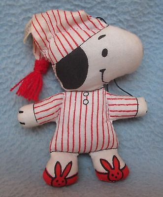 VINTAGE 1970'S SNOOPY PLUSH CHRISTMAS ORNAMENT, Peanuts, Charlie Brown