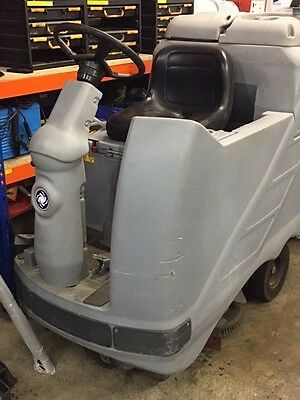 Nilfisk BR850S Ride On Scrubber Dryer c/w Charger, Squeegee Bar & Brushes