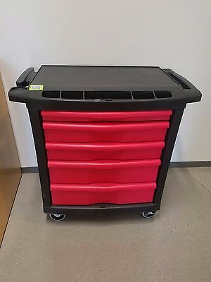 Tool Box Rubbermaid 5-Drawers Rolling