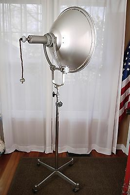 Pair of 1940's vintage Photogenic Machine Co industrial modeling lights