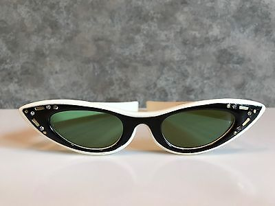 Vintage HIP Pair of cat eye rhinestone glasses with black accents