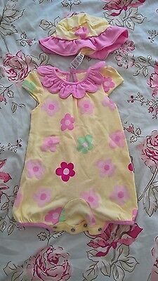 newborn flower romper suit with matching hat bnwot