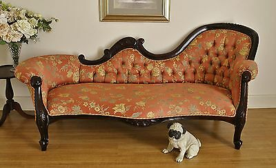 Antique Style Carved Mahogany Spoon Back Chaise Lounge / Settee / Daybed / Sofa