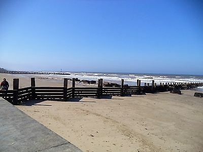 NORFOLK HOLIDAY CHALET. SLEEPS 4 nr beach.BARGAIN 7 nights 5 th to 12th AUGUST