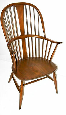 A Quality English Traditional Ash & Elm Bow-back Windsor Chair by ERCOL [PL3361]