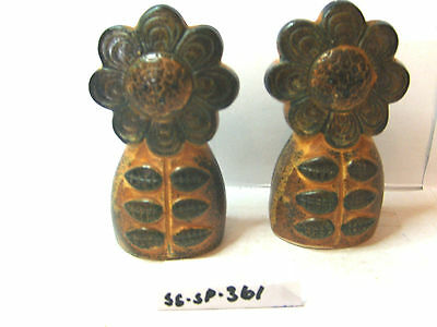 brown sunflowers   salt and pepper shakers