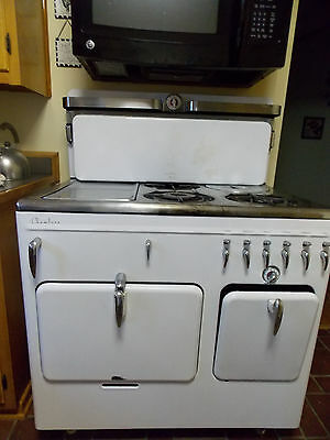 Rachel Ray Style Vintage/Antique Chambers Gas Stove