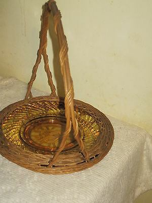 Wicker Plate Holder With Glass Plate