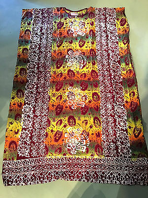 Lot of 5 rayon caftans.Traditional batik.Good quality.Will fit various sizes.New