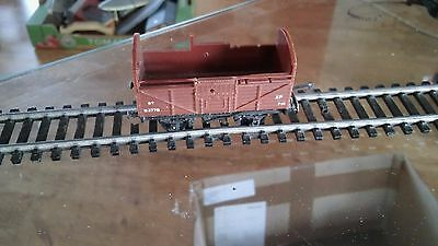 TRI-ANG T77 BR 8T CATTLE WAGON IN BROWN No B3778 TT GAUGE NOT BOXED SP/REPAIR