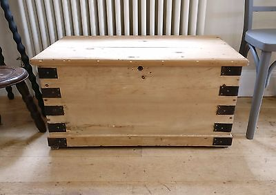 rustic victorian pine trunk. vintage storage. toy box. shoe storage. blanket box