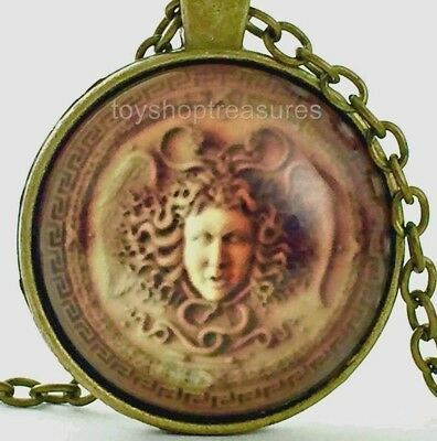 New Vintage Medusa Necklace Medusa Amulet Pendant - Antique Brass j