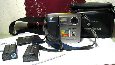 Vintage Sony Digital Mavica MVC-FD51 Camera Silver Battery Bag Floppy AS IS
