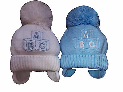 BNWT boys warm winter ABC bobble hat in blue or white 0-3 3-6 6-12m