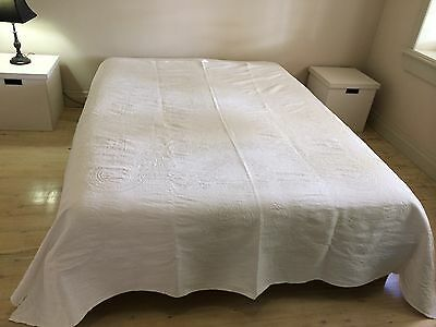 Antique Vintage Marcella Bedcover Pure Cotton White Ivy Leave Pattern
