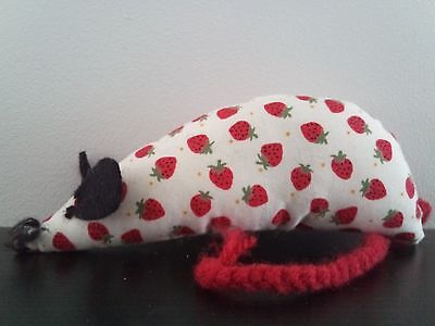 Catnip Mouse - Mini Strawberries - Handmade Cat Toy - Extra Strong Catnip