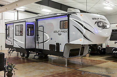New 2018 Model 325PACK13 4 Four Season 5th Fifth Wheel Slide Out Toy Hauler