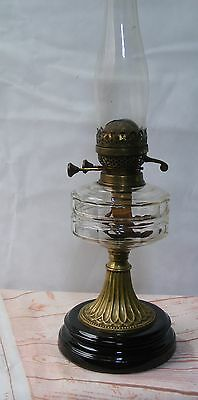 Antique Oil Lamp with Clear Glass Font