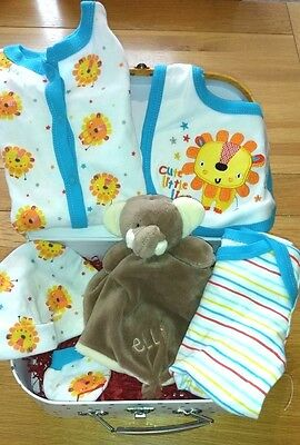 The Very Hungry Caterpillar Baby Boy Gift, Elf Blankee, 8 items