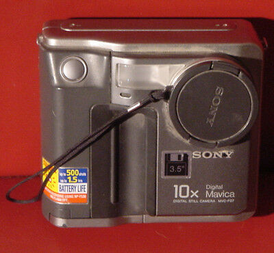 Vintage Sony Mavica MVC-FD7 3.5 Floppy 10x optical zoom Digital Camera for parts