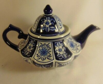 Teapot Blue White Squat Floral Ceramic New