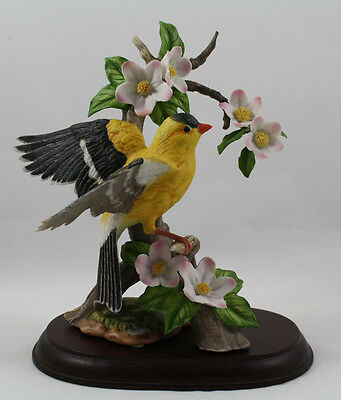 Homco Masterpiece Porcelain Birds of the Season Goldfinch Figurine, 1994