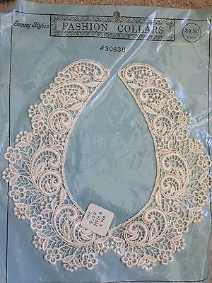 Vintage Crochet Embroidered Lace White Collar