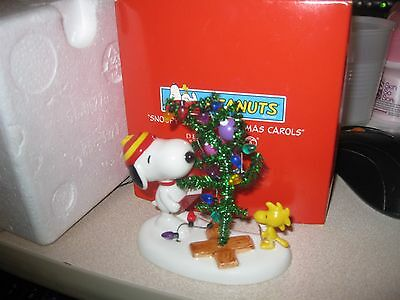 avon Department 56 peanuts Snoopy singing christmas carols nib