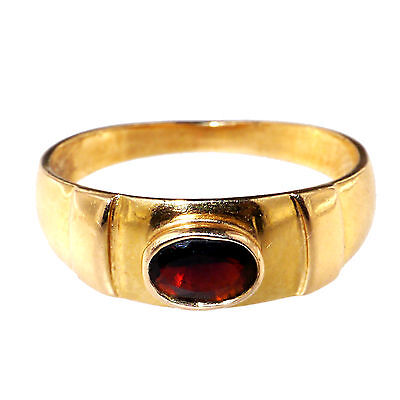 Vintage Gold and garnet ring.