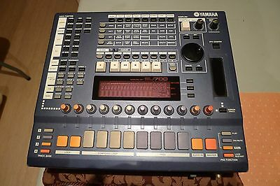 Yamaha SU700 Sampler Sequencer Music Production Box with SCSI Port
