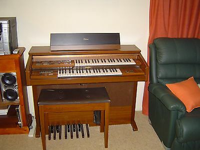 YAMAHA ELECTONE ORGAN and STOOL MODEL FC20F