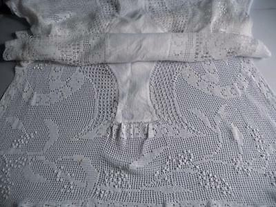 Vintage Irish Damask Linen & Embroidered Filet  Lace Table Runner/ Tablecloth