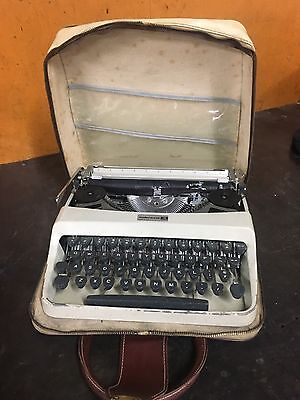 Vintage 1960 Type Writer Underwood 18 Made In Italy