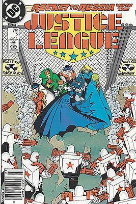 Justice League #3 Newsstand - Giffen - Maguire - 1987 - Very Fine