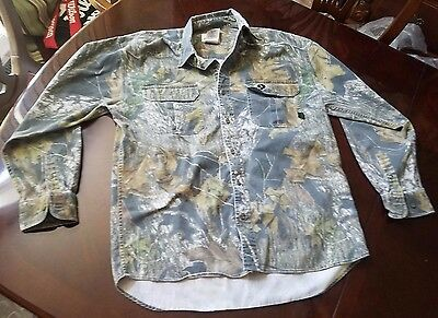 Mossy Oak - Hunting / Fishing Camo Button Down Shirt - Size L  - GOOD CONDITION